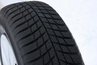 Зимни гуми BRIDGESTONE LM001
